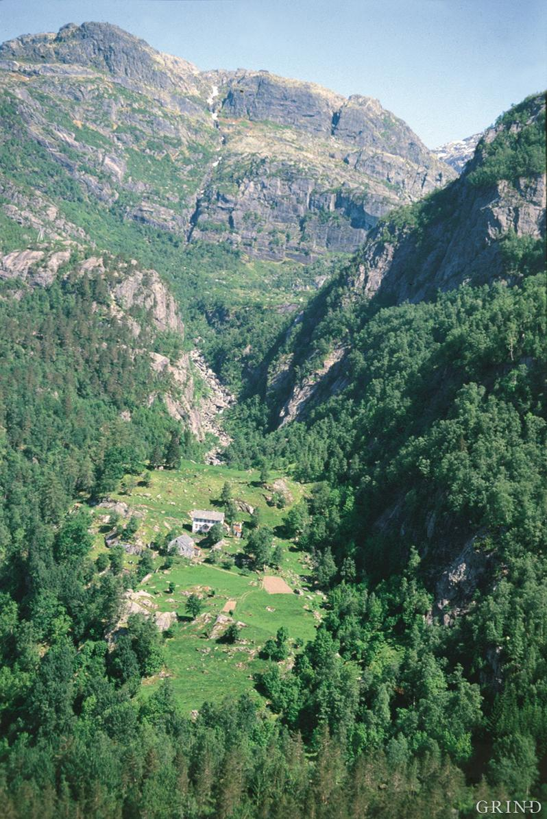 The mountain farm a Skår