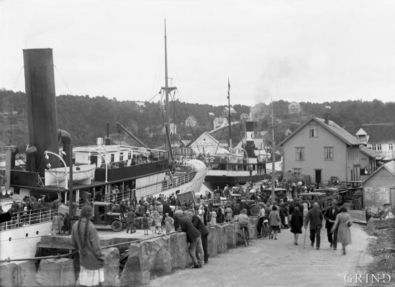 På kaia i Leirvik, Stord, kring 1920
