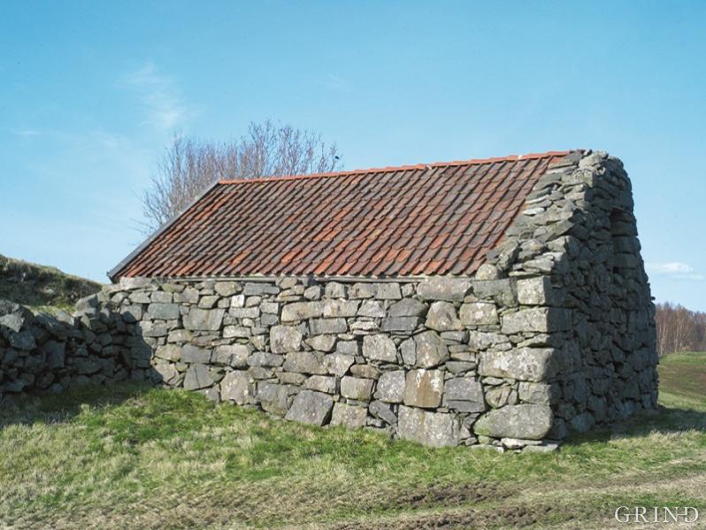 Mange av steinbygningane i Nordhordland har ein trekonstruksjon innanfor murane