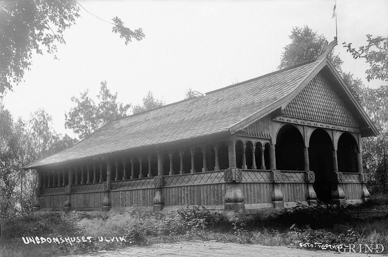 Ungdomshuset «Solhaug» på Rossvold i Ulvik i 1920