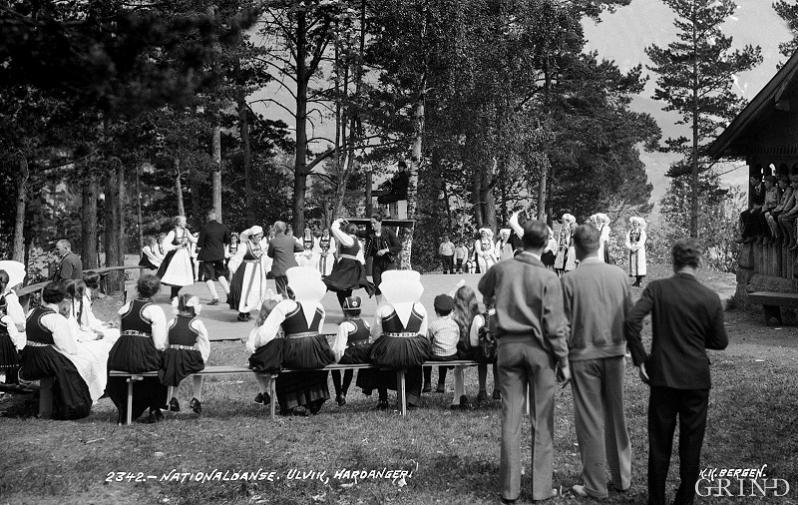 Folkedans på «Solhaug» kring 1926