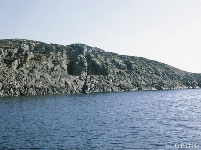 Steinbrotet i vestveggen på Hespriholmen