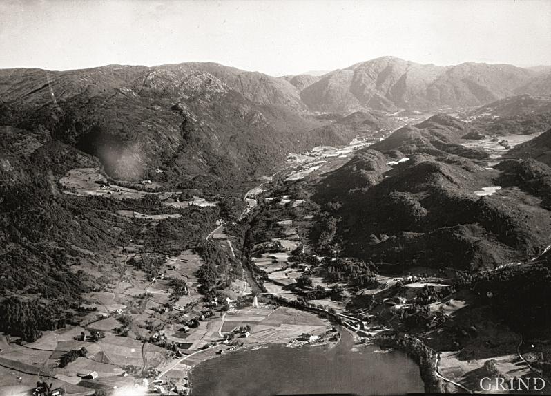 Flyfoto frå Arna frå slutten av 1930-åra