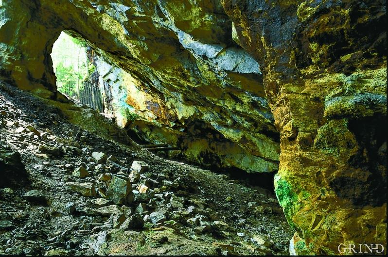 Gruvene på Tveit på Huglo ble forlatt for over 100 år siden.